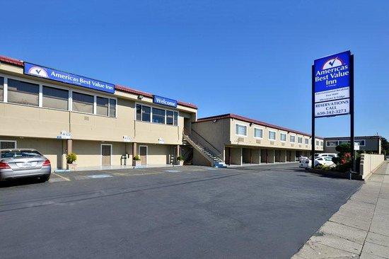 Americas Best Value Inn - San Mateo / San Francisco: Exterior