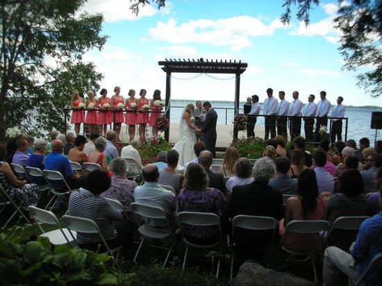 Howe Island B&B : ceremony