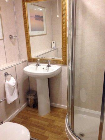 Ferryhill House Hotel: Bathroom