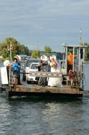 Howe Island B&B: on the ferry