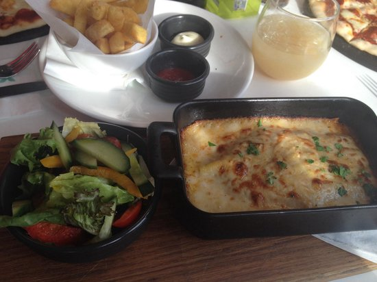 ASK Italian - Leamington Spa: My main meal.. Lasagne and side salad *****