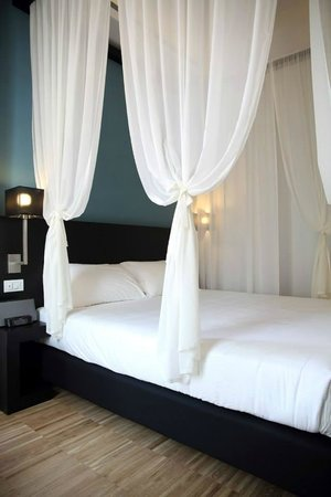 At Home Townhouse - Filiberto: Romantic Double Room