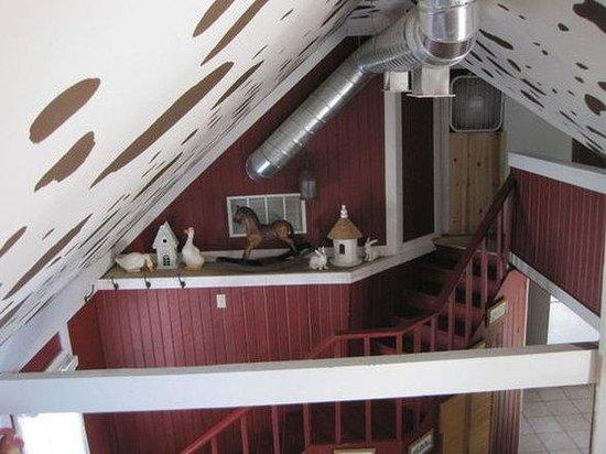 Mountain Lakes Lodge: The Farm House Mian Room From Loft