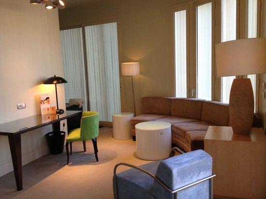 Hotel Room Mate Alicia: Living area