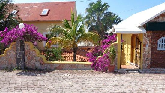 Hotel La Joya: From the street