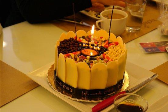 Hotellino Istanbul: Geburtstagstorte vom Hotel