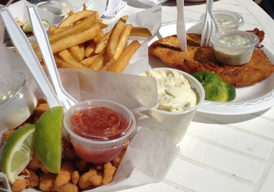 Alabama Jack's: Fried clam strips and fried snapper (fish of the day)
