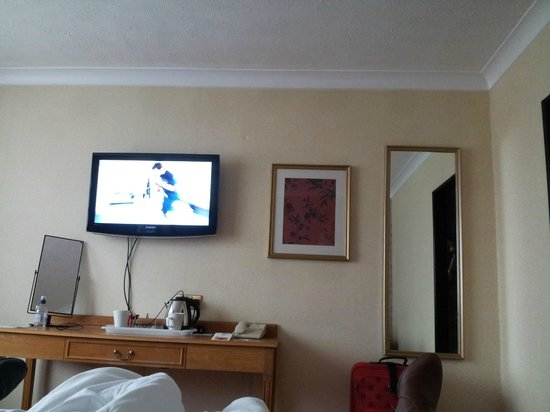 Cedar Court Hotel Huddersfield/Halifax : view from the bed