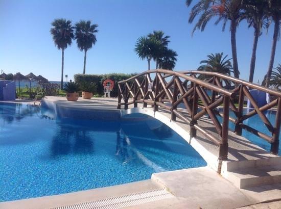 Marinas de Nerja Aparthotel: the pool area