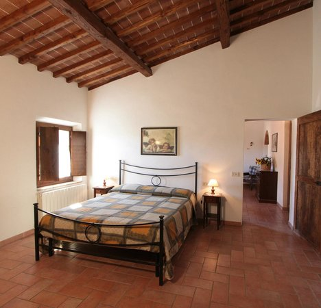 Agriturismo Montegonfoli: Montegonfoli Six Bedroom one