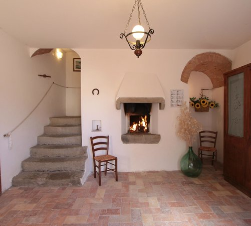 Agriturismo Montegonfoli: Montegonfoli Five and Six Hall