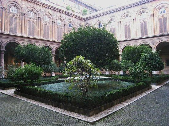Palazzo Doria Pamphilj: Tranquil