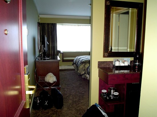 Crest Hotel : view from doorway