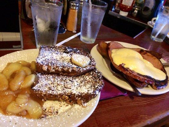The Griddle Cafe : Papas Benedict & Apple Crisp French Toast