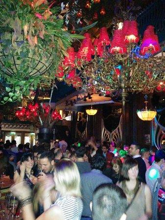 Cafe en Seine : Discothèque après minuit