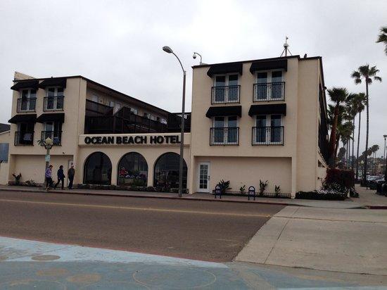 Ocean Beach Hotel: Hotel view from beach