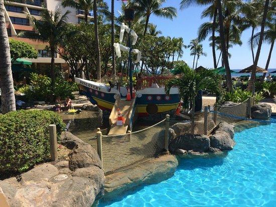 Marriott's Maui Ocean Club  - Lahaina & Napili Towers: pool area