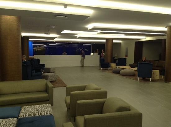 Four Views Monumental Lido: New reception area