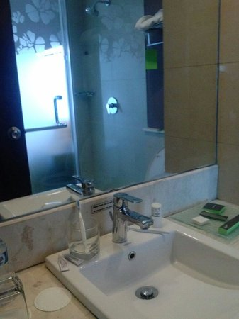 Grand Ixora Kuta Resort : Wash hand space
