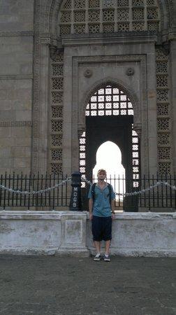 Gateway of India : knockin on