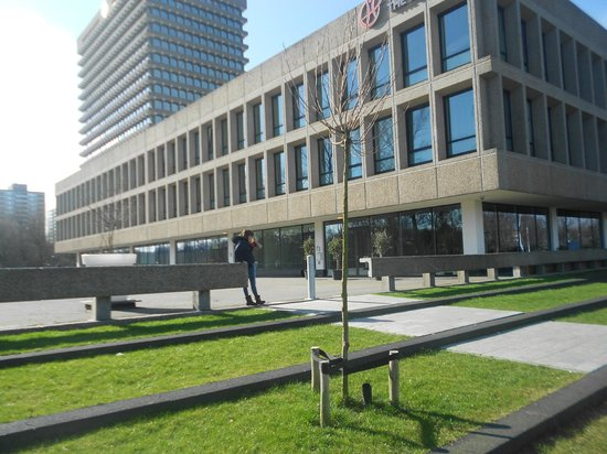 Skotel Amsterdam: OUTSIDE LOOK