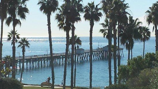 San Clemente Cove Resort Condominiums: VISTA DA RUA DO HOTEL