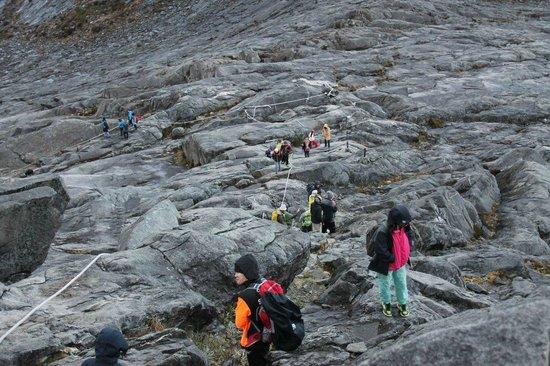 Mount Kinabalu: Descending donwards through a moonscape