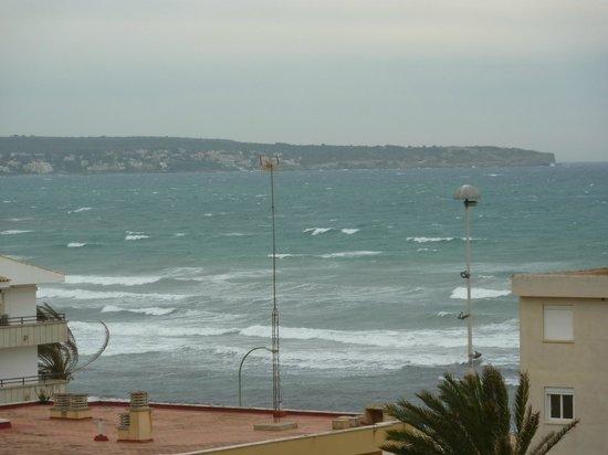 Hotel Java: Blick vom Balkon auf das Meer