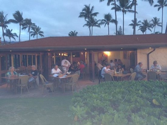 Castaway Cafe: view from beach, of back patio and lanai seating