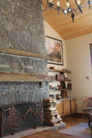 Teton Mountain Lodge & Spa- A Noble House Resort : hotel lobby