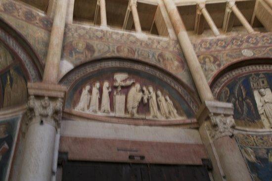 Battistero di Parma: interior detail
