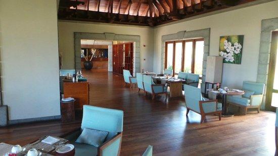 Maradiva Villas Resort and Spa: Speisesall Innenbreich