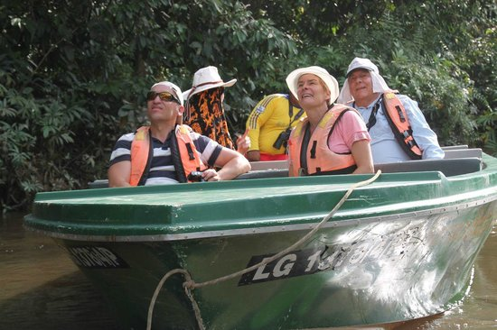 Borneo Nature Lodge: Australian tourists observed on the river