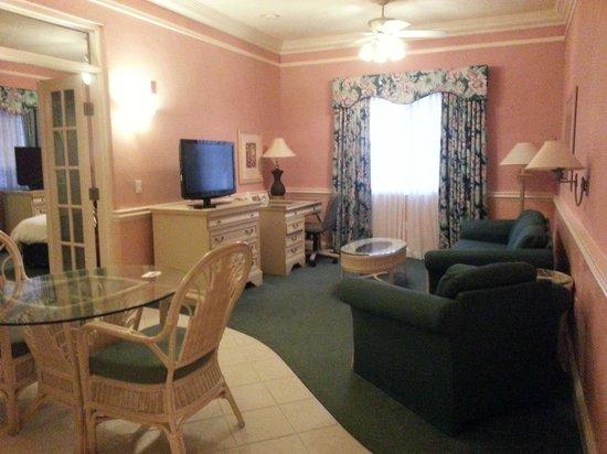 Radisson Resort at the Port: Living Room