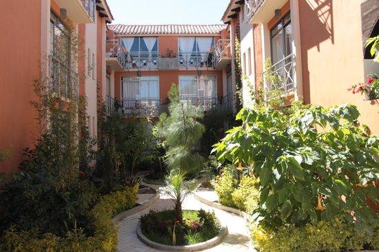 Axkan Arte Hotel: El jardín del hotel