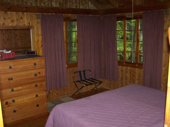 Whisperwood Lodge and Cottages : Inside Cottage
