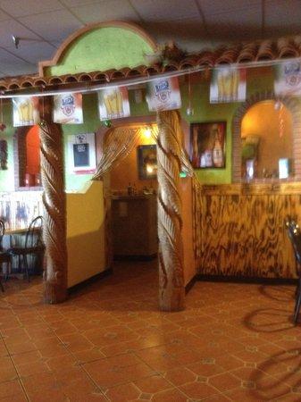 El Potro Mexican Restaurant: The bar