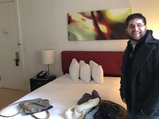 The MAve Hotel: queen size room