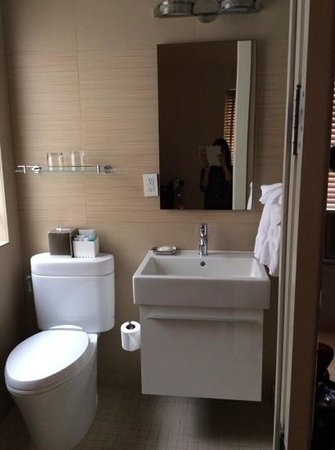 The MAve Hotel: bathroom cute