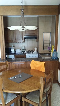 Club Riza Aparthotel: Kitchen in a one bedroom apartment