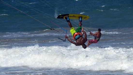 Viva Wyndham Tangerine: Watching kite surfers