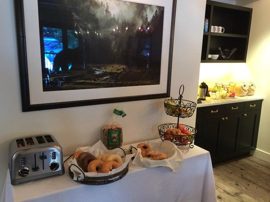 Hotel Durant: Complimentary breakfast