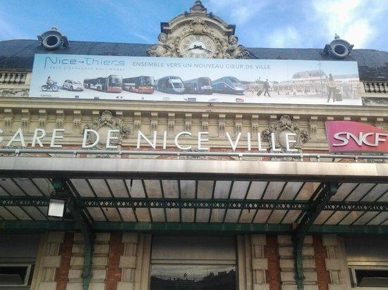 Ibis Nice Centre Gare: Estação de Nice a 20 Metros do hotel