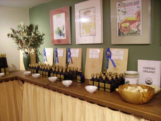 Ojai Olive Oil : Tasting Room...Yummy!