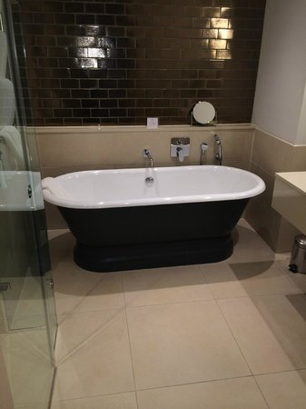 Rudding Park Hotel : Follifoot Wing Room Bathroom