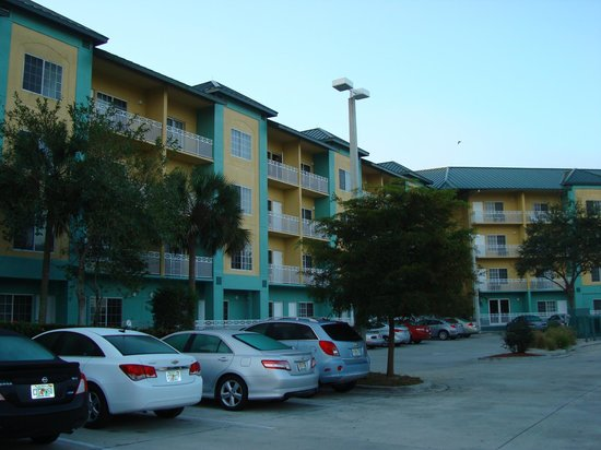 Naples Plaza Hotel: from parking