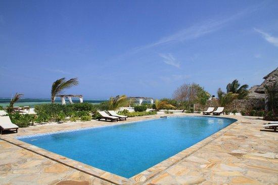 Next Paradise Boutique Resort: Pool bei den Strandvillen