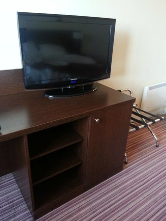 Holiday Inn Slough - Windsor: In room TV