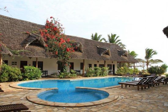 Next Paradise Boutique Resort: Pool nahe dem Restaurant