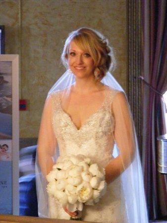 Crowne Plaza Niagara Falls - Fallsview : Gorgeous Bride